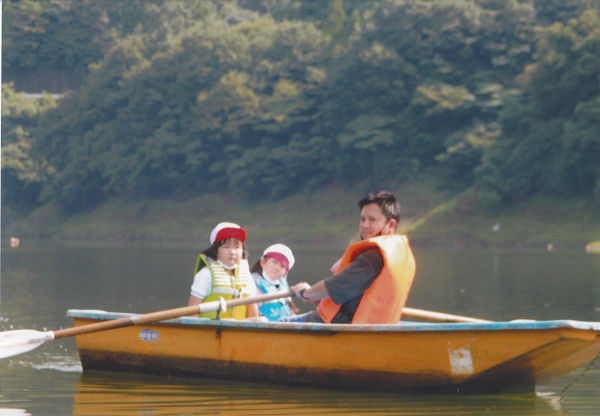 梅田湖でボート乗り。楽しいね!